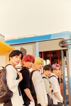 TXT will make a comeback on May 2020 with The Dream Chapter: ETERNITY. They already released a Concept Trailer, and today they revealed a lot of teaser photos, which are part of the Port version. These photos K Pop, The Dream, Group Photos, Kpop Groups, Daegu, Bts Jungkook, Bts Vmin, Namjoon, K Idols