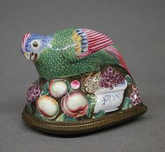 Enamel on copper bird snuffbox by Bilston, Sth. Staffordshire, England, 1760–1761
