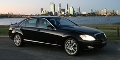 Chauffeur service is a perfect way for developing the constructive and impressive image on others. Most prominent celebrities and individuals have used chauffeur service for maintaining the professional and high class image on others. Professional transfer providers offer this service for every travel in a reasonable rent.