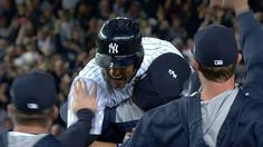 【Jeter's walk-off single】9/25/14: Derek Jeter hits a single to right that brings in the winning run, giving the Yankees a 6-5 walk-off win in his final home game