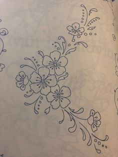 Diy Bead Embroidery, Hand Embroidery Patterns Free, Border Embroidery Designs, Hand Embroidery Videos, Embroidery On Clothes, Embroidery Flowers Pattern, Hand Embroidery Stitches, Embroidery Applique, Cross Stitch Embroidery