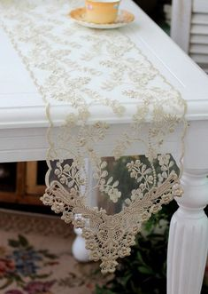 Lace Table Runner- Vintage lookReady for exquisite perfection, guys? So here we are with lace wedding ideas! We've already told you of such cakes and bridesmaids' dresses but what about décor? It's high time that we had a look at lace wedding déco Lace Runner, Lace Table Runners, Antique Lace, Vintage Lace, Wedding Vintage, Mesas Shabby Chic, Rose Embroidery, Linens And Lace, Lace Ribbon