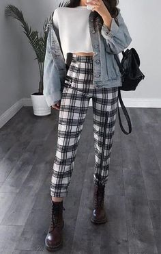 sophisticated work attire and office outfits for women to look stylish and c. - sophisticated work attire and office outfits for women to look stylish and chic 20 Fashion Mode, Look Fashion, 90s Fashion, Korean Fashion, School Fashion, Winter Fashion, Paris Fashion, Fashion Pics, Fashion Articles