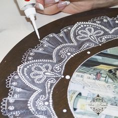 Мастер класс по точечной росписи часов с использованием трафарета для нанесения по схеме узоров кружева контурами