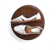 80s Vintage Huarache Sandals White Leather 8 M by BlueRoseRetro, $24.00