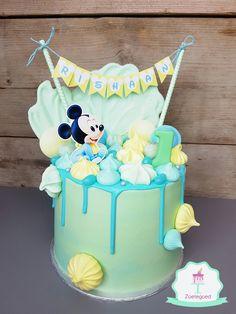 Baby Mickey Disney Drip Cake Baby Mickey Cake, Mickey Mouse Birthday Cake, Mickey Cakes, Novelty Birthday Cakes, Boys First Birthday Cake, Minnie Mouse Cookies, Mickey 1st Birthdays, Cake Decorating Techniques, Cake Videos