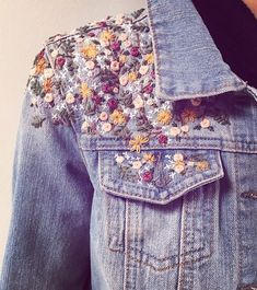 Throwback to this cute floral cluster denim jacket I made last year. It went to a real swell lady who looks amazing in it! 💕🙌🏻 • • • •… Denim Jacket Embroidery, Embroidered Denim Jacket, Embroidery On Clothes, Embroidered Clothes, Jean Diy, Diy Jeans, Jackett, Diy Clothes, Fashion Models