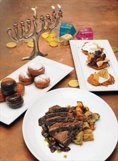 """When Chanukah and Thanksgiving fall on the same day, it's """"Thanksgivukkah"""" - Daily News"""