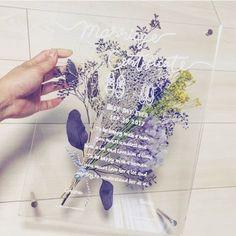 透明の結晶みたいなカードがおしゃれ♡アクリル板の招待状が可愛すぎる!! | marry[マリー]