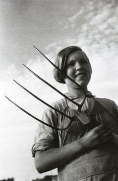 Ivan Shagin. Young kolkhoz girl. 1931  [::SemAp FB || SemAp G+::]