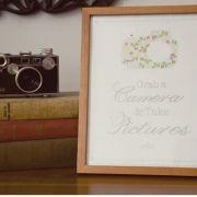 vintage-camera-grab-take-picture-wedding-guests2