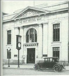 Old photo of the First National Bank in Lebanon, Pa.