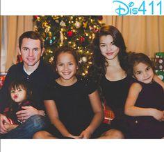 Photo: Paris Berelc With Her Family December 27, 2014