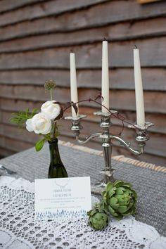 Woodland wedding table decoration - photo by www.sarahfalugo.com