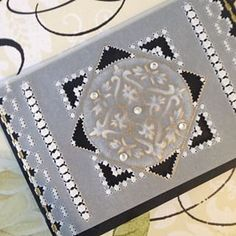ブラック&ゴールドでシックに♪ パーチメントクラフトカード♪♪♪ #parchmentcraft  #craft #papercraft #パーチメントクラフト #手作り #ハンドメイド #ハンドメイドカード #card