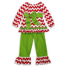 Adorable Chevron Christmas Outfit #christmas #kids #clothes