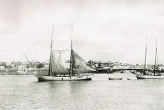 1911 – Barcos na região do porto no centro de Porto Alegre. As fotos publicadas pertencem ao acervo de imagens do Museu de Comunicação Hipólito José da Costa, em Porto Alegre