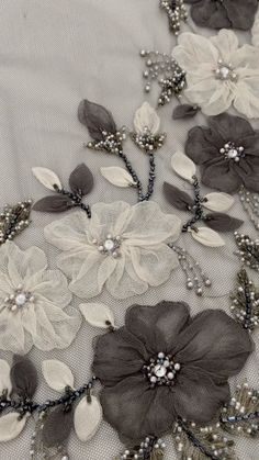 Tambour Beading, Tambour Embroidery, Hand Embroidery Flowers, Couture Embroidery, Embroidery Fashion, Ribbon Embroidery, Border Embroidery Designs, Floral Embroidery Patterns, Couture Beading