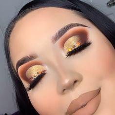 Makeup Inspo, Makeup Inspiration, Eyeshadow Makeup, Eyeliner, Rhinestone Makeup, Lashes Logo, Neutral Makeup, Eye Contour, Aesthetic Makeup