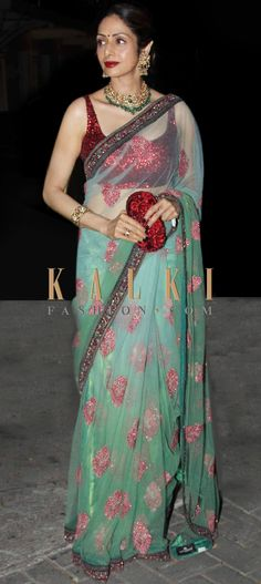 Must have Bollywood style! Find a style match to the celebrity look of your… Latest Indian Saree, Indian Sarees, Bollywood Saree, Bollywood Fashion, Indian Attire, Indian Wear, Indian Dresses, Indian Outfits, Saree Blouse Patterns