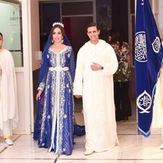 33 stunning Moroccan brides celebrating epic weddings Morrocan Dress, Moroccan Bride, Moroccan Wedding, Moroccan Caftan, Special Occasion Outfits, Caftan Dress, Groom Outfit, Traditional Dresses, Beautiful Dresses