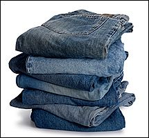 I purchased a new pair of black jeans. They have a distinct odor, which I think is probably the dye used on them. I have washed them a couple of times, but the smell continues! Any suggestions? Household Cleaning Tips, House Cleaning Tips, Cleaning Hacks, Dye Jeans, Cleaning Chemicals, Odor Remover, Laundry Hacks, Cleaners Homemade, Cleaning Solutions