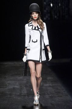 Moschino Spring 2013 Ready-to-Wear Runway