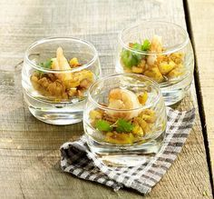 Scampi met kerrie-appeltjes - Colruyt Culinair ! Scampi Curry, Easy Healthy Recipes, Healthy Snacks, Party Food Catering, Lean Cuisine, Work Meals, Bbq, Xmas Food, Snacks Für Party