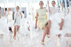Louis Vuitton Spring 2012, love the carousel