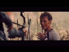 Finnick Odair (Everybody loves me) - YouTube