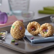 Rice Krispies Easter Egg with hidden m&m treat