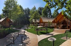 Glamping Olimia Adria Village | Luxe GlampTenten in Slovenie - Glampings #adria #adriahome #adriamobilehome #glamping #glampingvacation #glampingresort #vacation #vacationresort #couplesgetaway #holidayresort #familyvacation #familyholiday
