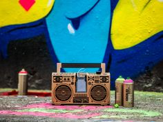 Thanks to Axel Pfaender, we can once again say hello to the almighty sound system, the boombox, with his cardboard DIY sound system for your smartphone. Boombox, Say Hello, Innovation, Modern Design, Presentation, Smartphone, Packaging, Technology, Innovative Ideas
