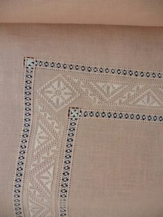 Drawn Thread, Hardanger Embroidery, Linens And Lace, No One Loves Me, First Love, Projects To Try, Shabby Chic, Pictures, Tablecloths