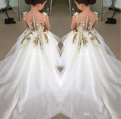 Buy Cute Long Sleeve Tulle Flower Girl Dresses with Flowers, Cheap Baby Dresses in uk. Find the perfect flower girl dresses at FabFba. Our flower girl dresses come in a variety of styles & colors including lace, tulle, purple & gold Tulle Flower Girl, Cheap Flower Girl Dresses, Wedding Flower Girl Dresses, Girls Dresses, Baby Girl Wedding Dress, Tulle Flowers, Baby Wedding, Formal Dresses, Toddler Pageant Dresses