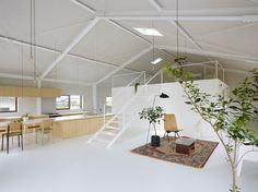 Luxurious Yet Comfortable Family House in Yoro by Airhouse Design Office Gifu, Warehouse Renovation, Architecture Design, Light Architecture, Mezzanine Floor, Warehouse Conversion, Loft Spaces, Open Spaces, Office Spaces