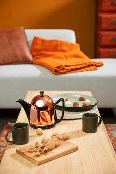 This Cosy Manto in black with copper casing gives you warm feelings! http://www.bredemeijer.nl/collectie/cosy/manto/theepot-cosy-manto-koper-zwart-1-0-liter.html