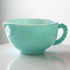 Hazel Atlas Turquoise Crinoline Creamer by jaditekate on Etsy Vintage Kitchenware, Vintage Dishes, Vintage Glassware, Vintage Pyrex, Vintage Bowls, Vintage Love, Vintage Decor, Retro Vintage, Vintage Items