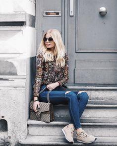Anabel wearing Warm-Ups #meyba #meybabarcelona #blogger #summer