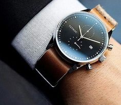 Неформальная классика Tag Huer Watches Men, Men's Watches, Cool Watches, High Fashion Men, Mens Fashion, Beautiful Watches, Amazing Watches, Tag Heuer, Watches For Men Affordable