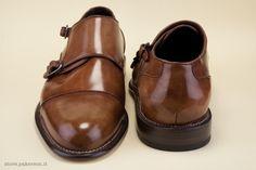 """A Derby-style shoe in anticated calfskin, entirely hand-colored. - Calzatura modello """"derby"""" in pelle di vitello anticato, integralmente colorata a mano. http://store.pakerson.it/man-buckle-shoes-33005-wood.html"""