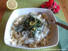 Tagliatelle-Spinat-Gorgonzola Bei dieser Pasta vermisst man kein Fleisch!