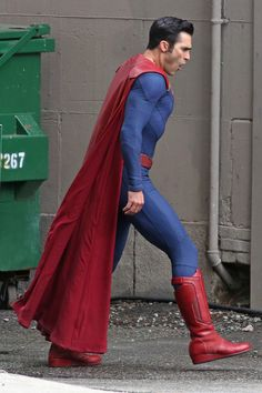 Click image to close this window Superman Cosplay, Supergirl Superman, Superman Lois, Supergirl And Flash, Supergirl Season, Tyler Hoechlin, Tyler Posey Teen Wolf, Superman Actors, Dc Tv Series