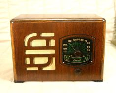 Old Antique Wood Warwick Vintage Tube Radio - Restored & Working Deco Table Top
