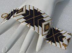 Elegante encanto Peyote Cuff Bracelet 2439 por SandFibers en Etsy