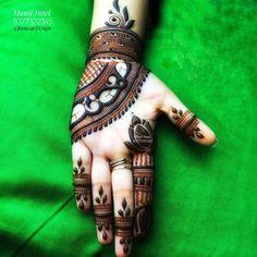 #hennatattoo #hennadesign #henna_art #indianwedding #indiantraditionalhenna #mehandiart #wedmegood #weddingbells #pinkvilla #panwarDesign#9377322345#Mansi | patel