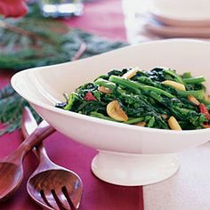 Sautèed Broccoli Rabe with Garlic and Chiles