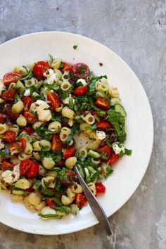One pot wonder - lettvint gryterett - Mat På Bordet One Pot Wonders, Kung Pao Chicken, Side Dishes, Salads, Brunch, Food And Drink, Veggies, Snacks, Meals