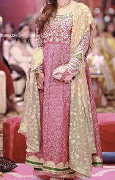 Brides sister at the Mehndi Sabyasachi Gown, Anarkali, Beautiful Bride, Mehndi, Frocks, Bridal Dresses, Long Frock, Sari, Groom Outfit