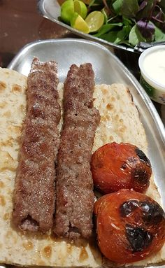 Easy Campfire Meals, Campfire Food, Persian Kabob Recipe, Iran Food, Iranian Cuisine, Lunch Smoothie, Food Snapchat, Food Test, Arabic Food